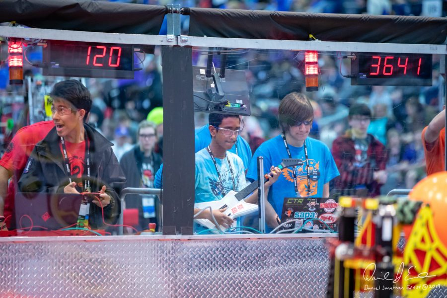 SLE Robotics Ends Another Successful Season